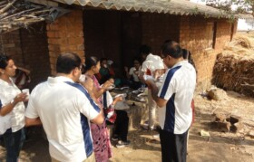 A quick breakfast on the way ensured that the time is not spent on reaching at the camp location.