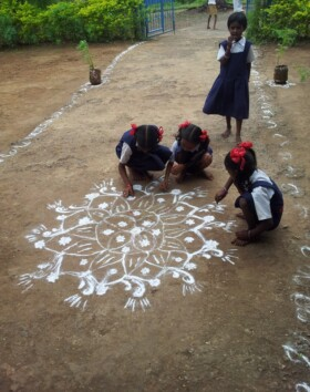 Beautiful Rangoli decoration by girl students of the school to welcome Team Suhrid