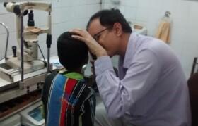 Dr Makwana checking kid