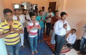 Start of session with prayer